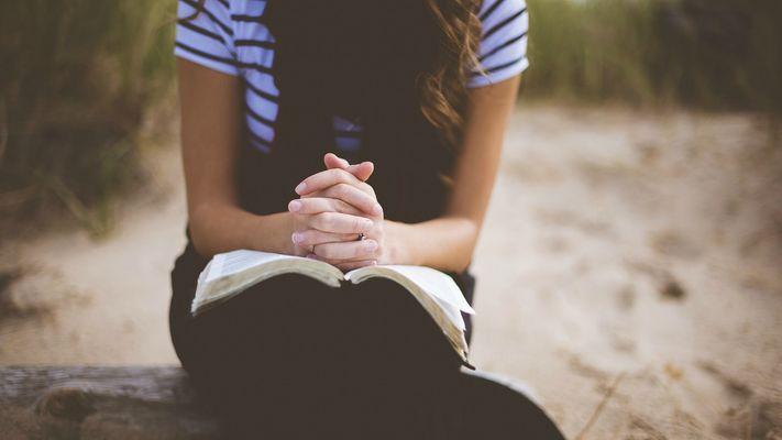 'Ik geloof niet dat God vanuit de hoge hemel alles in mijn leven stuurt'