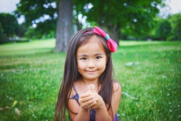 Hoe leren we onze kinderen vrijgevigheid?