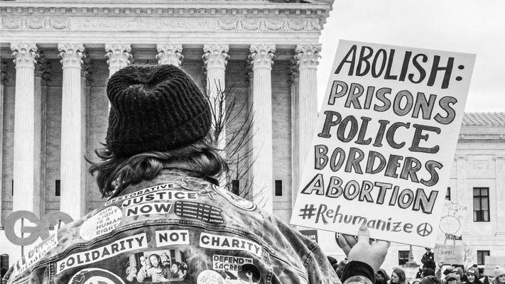 Een duidelijke mening over abortus? Nina heeft er geen zin meer in